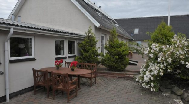 B&B Bed and Breakfast Blokhus Blokhus Hostel Kirkevej 26 9492 Nordjylland