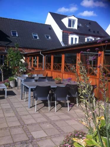 B&B Bed and Breakfast Holstebro Centrum Bed & Breakfast - Gæstgivergården Sønderlandsgade 21 7500 Midtjylland