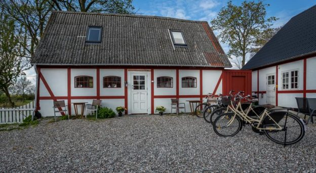 B&B Bed and Breakfast Præstø Jungshoved Præstegård B&B Stavreby Strandvej 4 4720 Sydsjælland