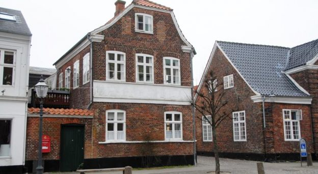B&B Bed and Breakfast Ribe Bed & Breakfast Hasse Christensen Torvet 18A 6760 Sydjylland